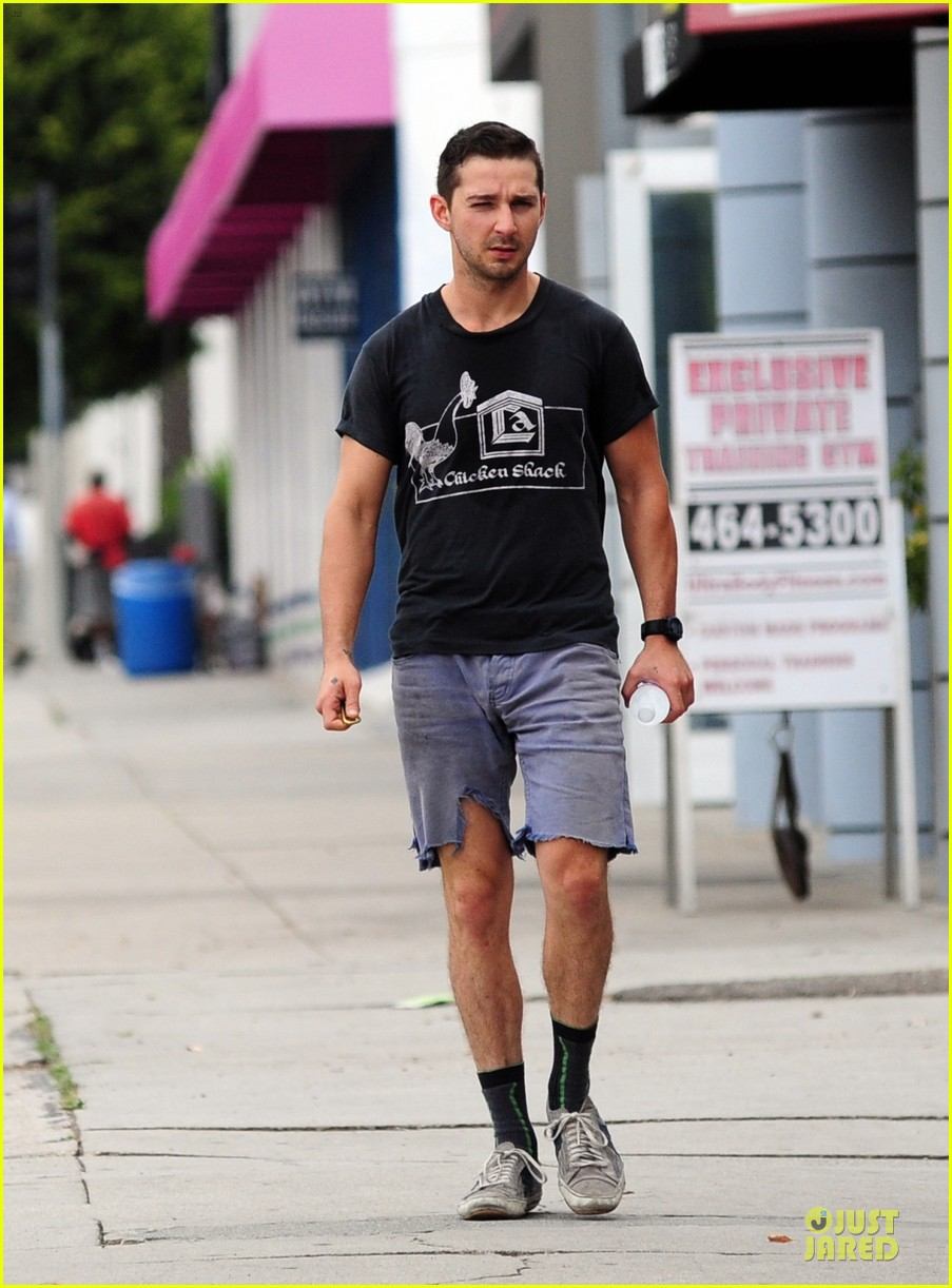 shia labeouf fried chicken chicken shack 013120146