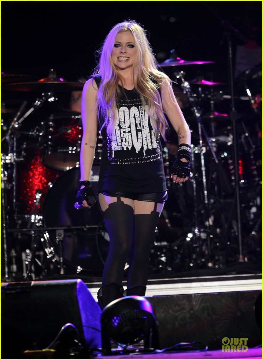 avril lavigne rock chick backstreet boys tour 023125115