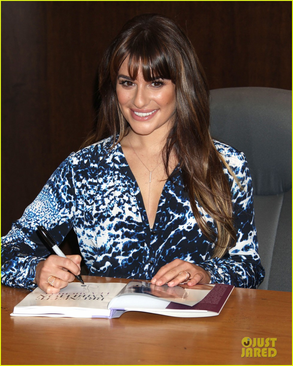 lea michele book signing grove brunette ambition 05