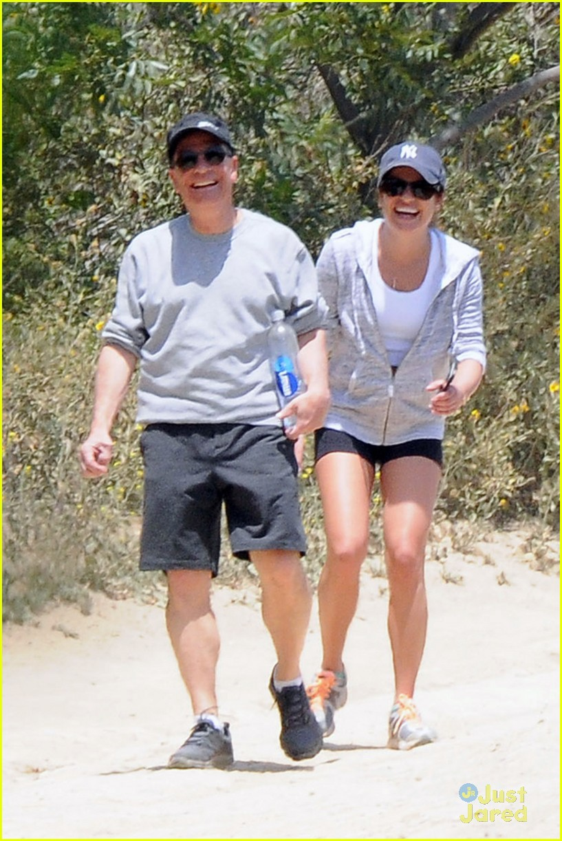 lea michele hike parents funny girl 153109895
