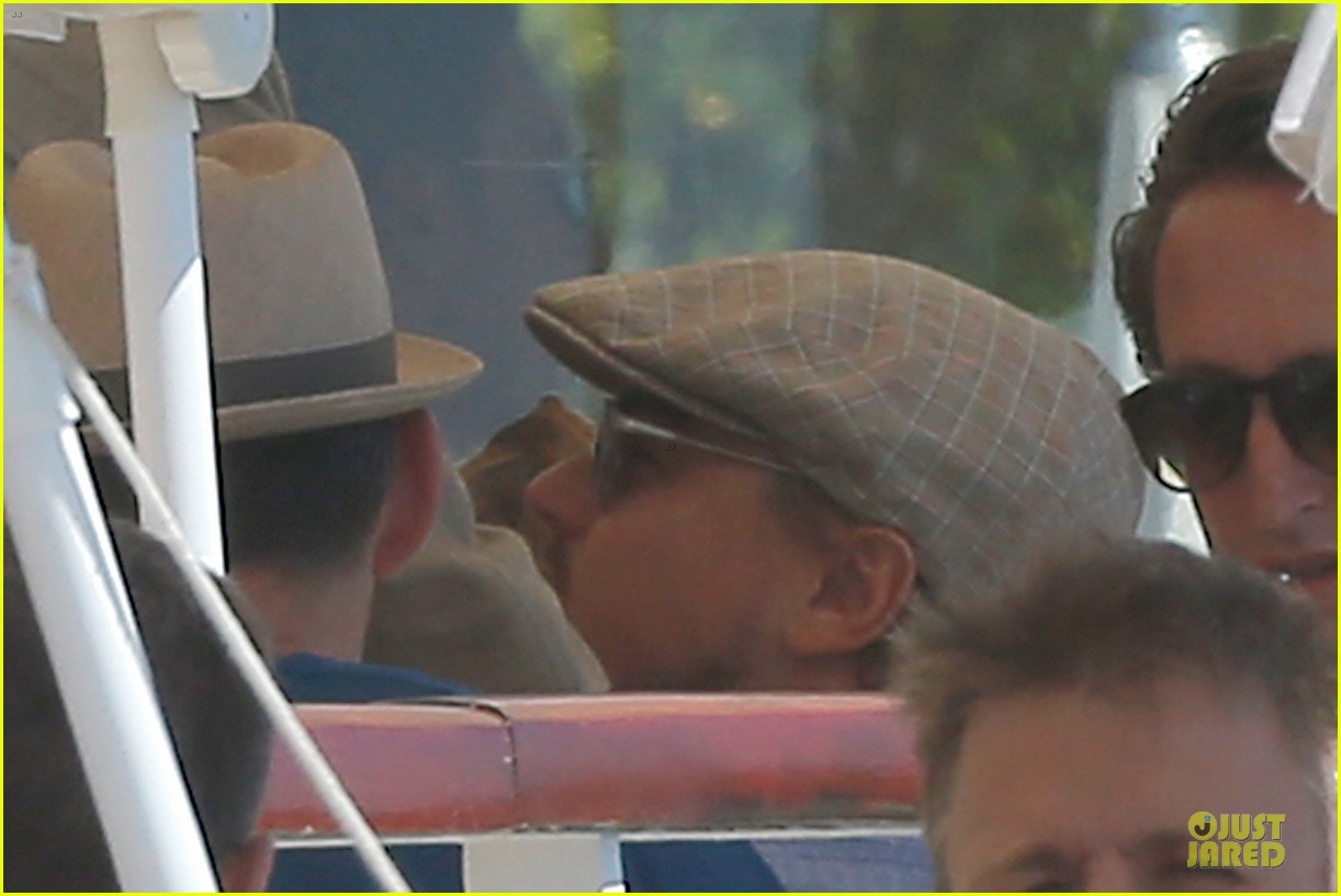 leonardo dicaprio toni garrn grab lunch with mom 04