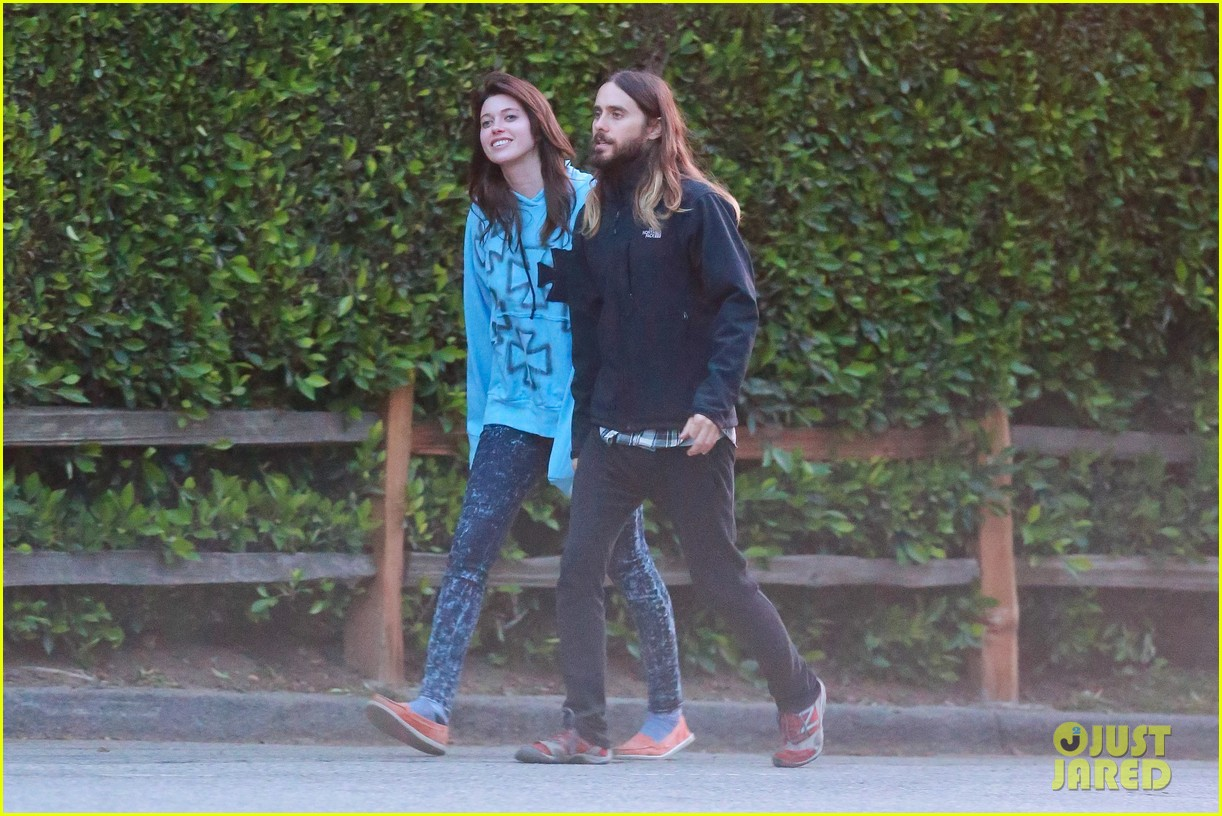 jared leto goes for a hike with a female companion 02