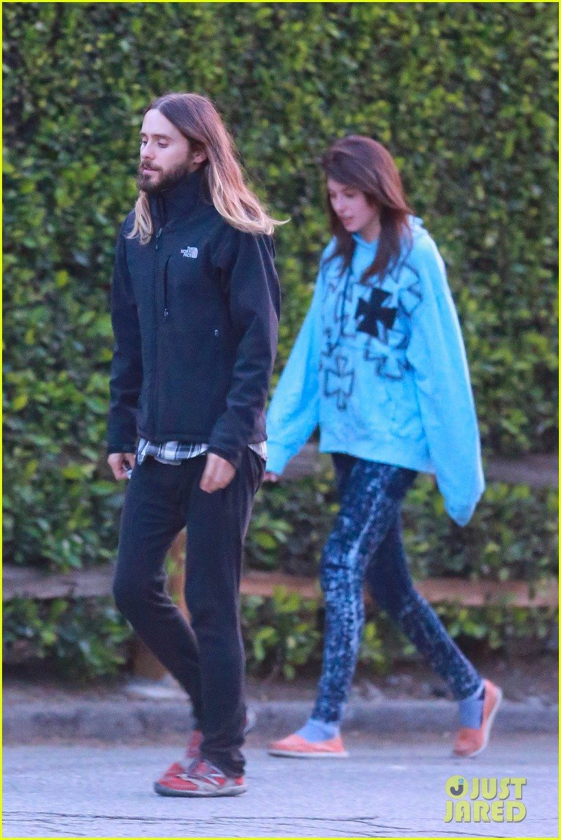 jared leto goes for a hike with a female companion 063109494