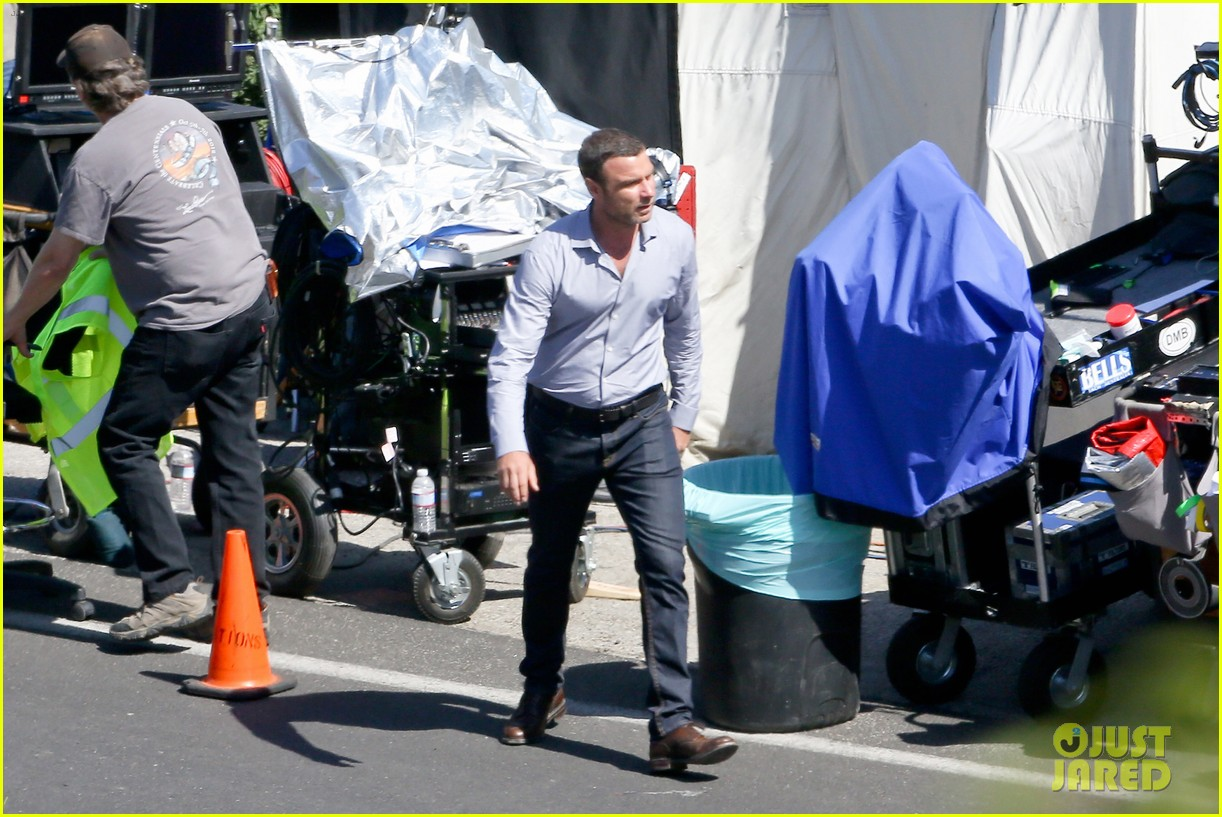 liev schreiber direct ray donovan episode next season 13