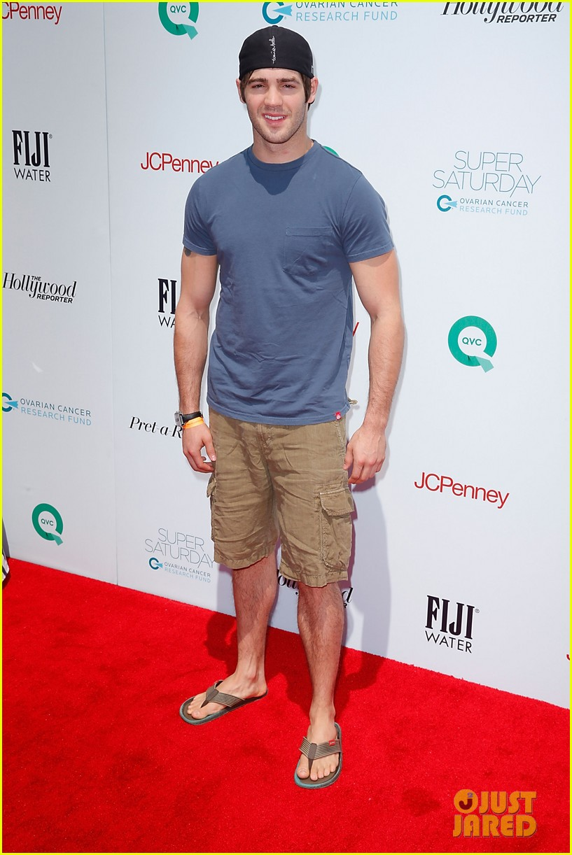 liev schreiber steven r mcqueen fiji water super saturday 10