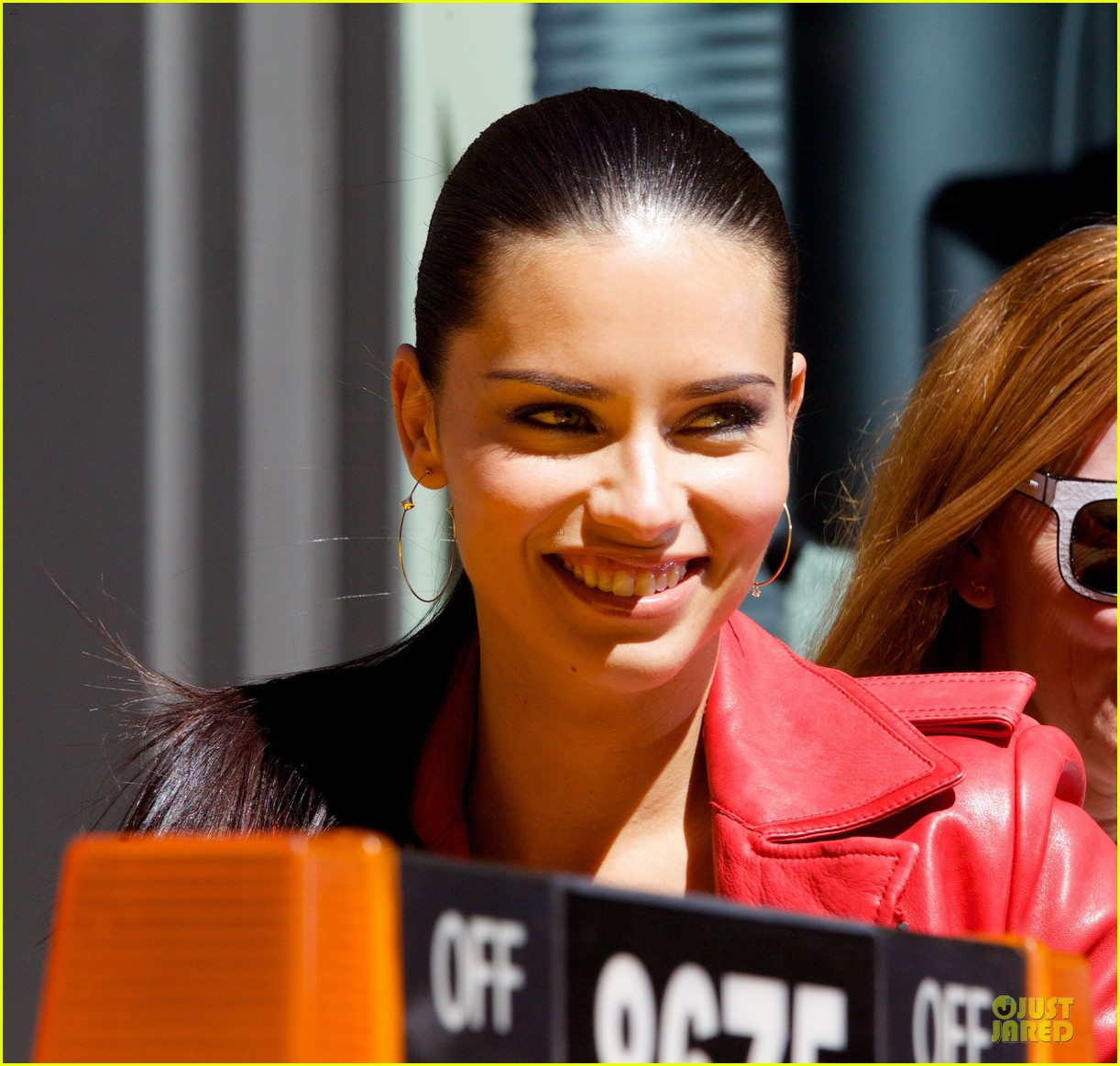 adriana lima maybe its maybelline soho 18