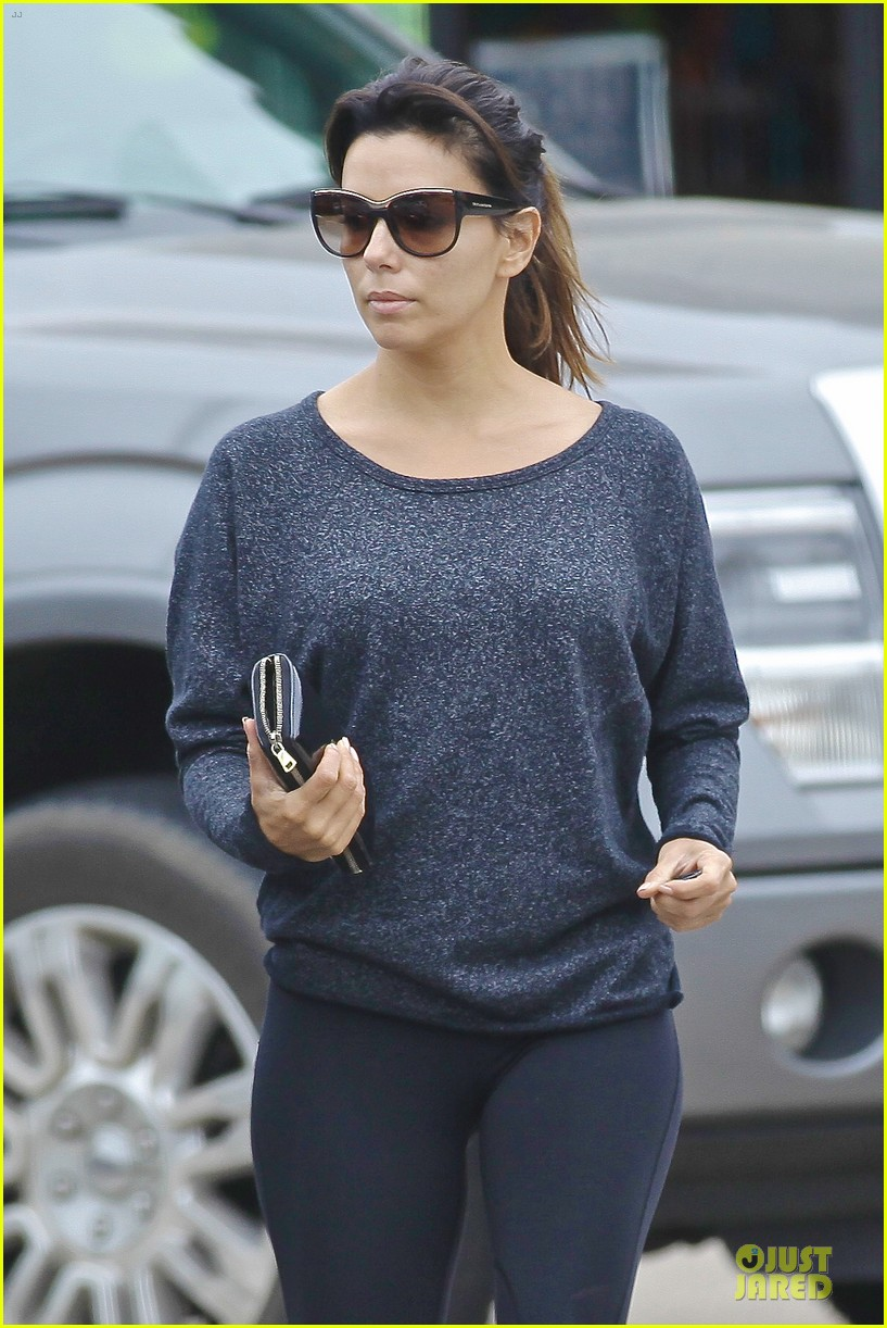 eva longoria jose baston palm of hand 083121455