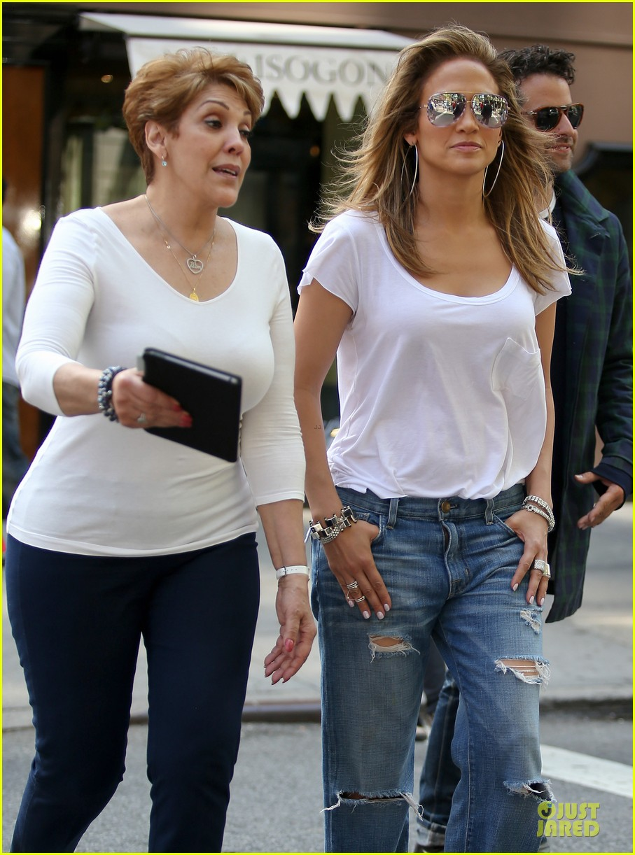jennifer lopez mom guadalupe spend time after mothers day 04