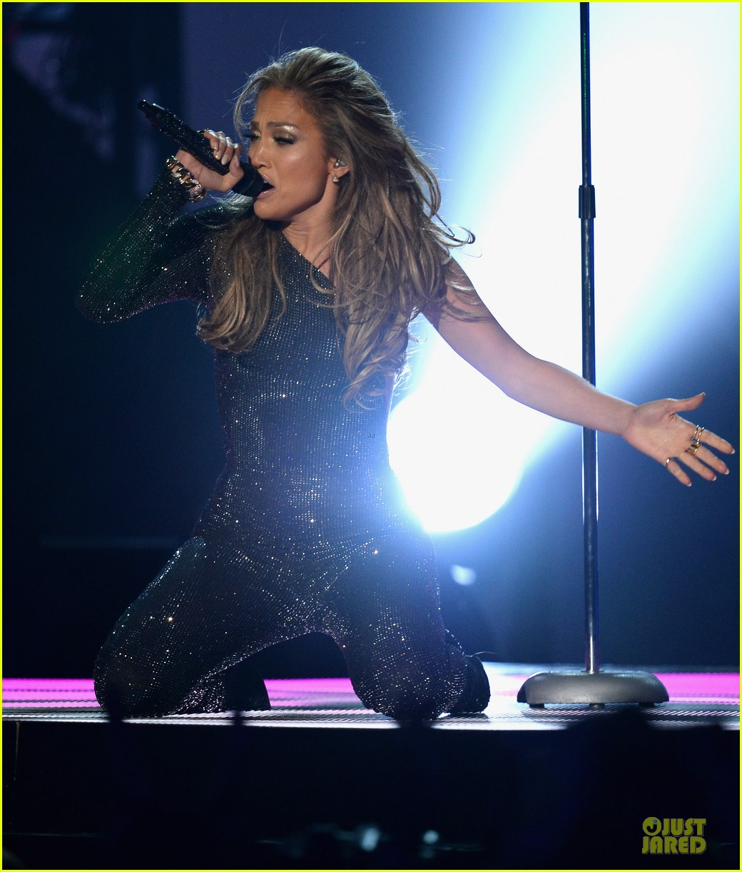 jennifer lopez performs first love billboard icon 08