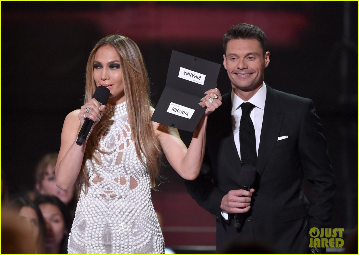 jennifer lopez goes from idol to iheartradio music awards 073103547