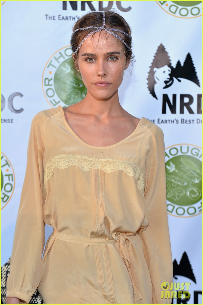 isabel lucas amber valletta get glam for ndrcs food for thought benefit 12