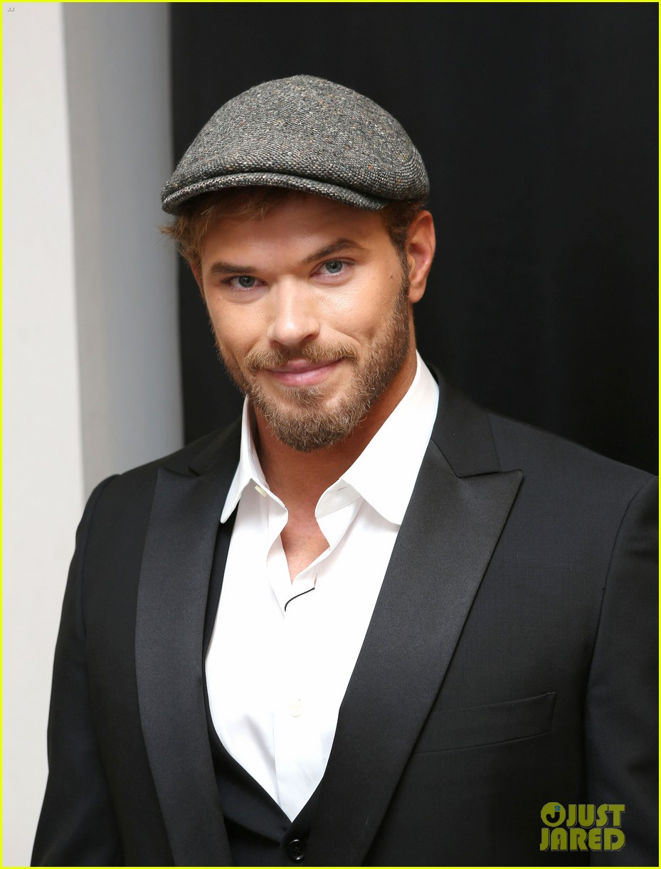 kellan lutz cannes break relax pool 01
