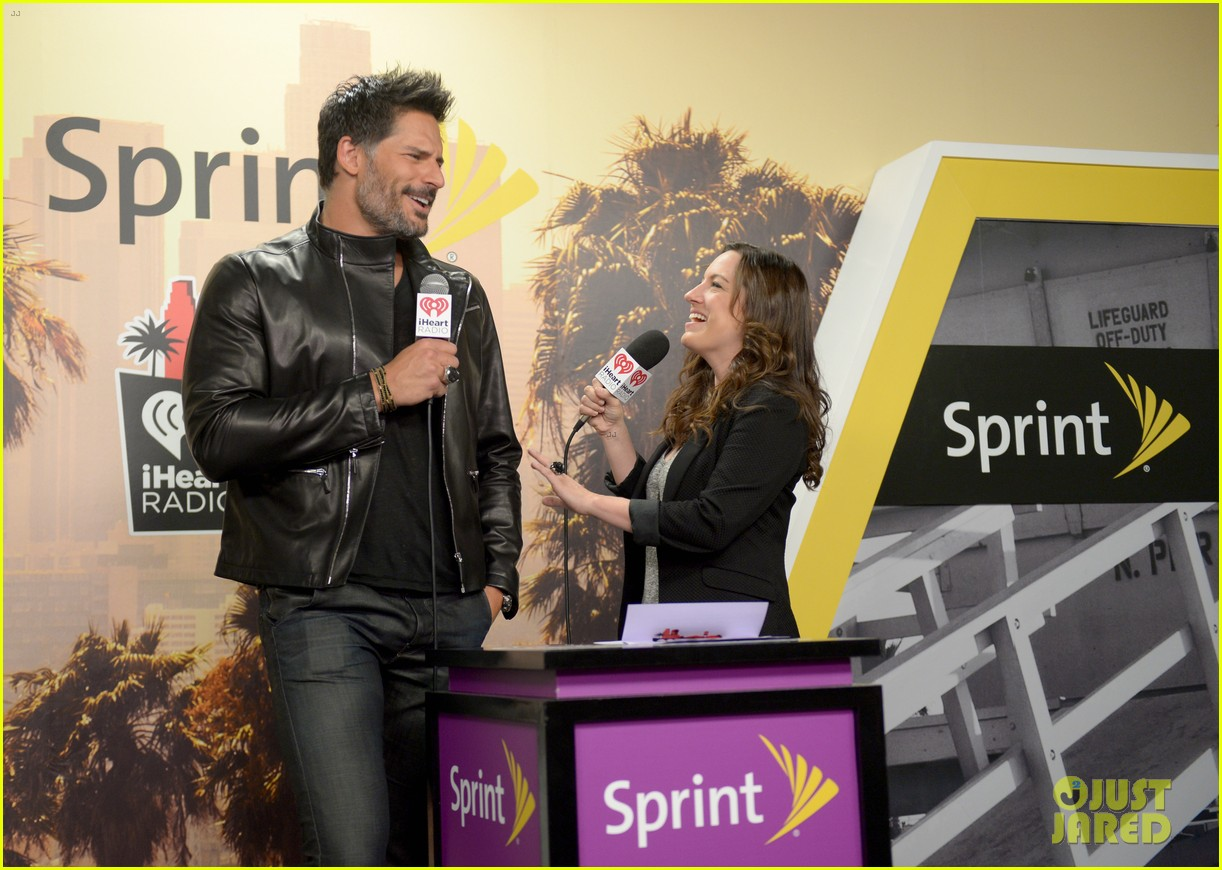 joe manganiello sam palladio iheartradio music awards 2014 09