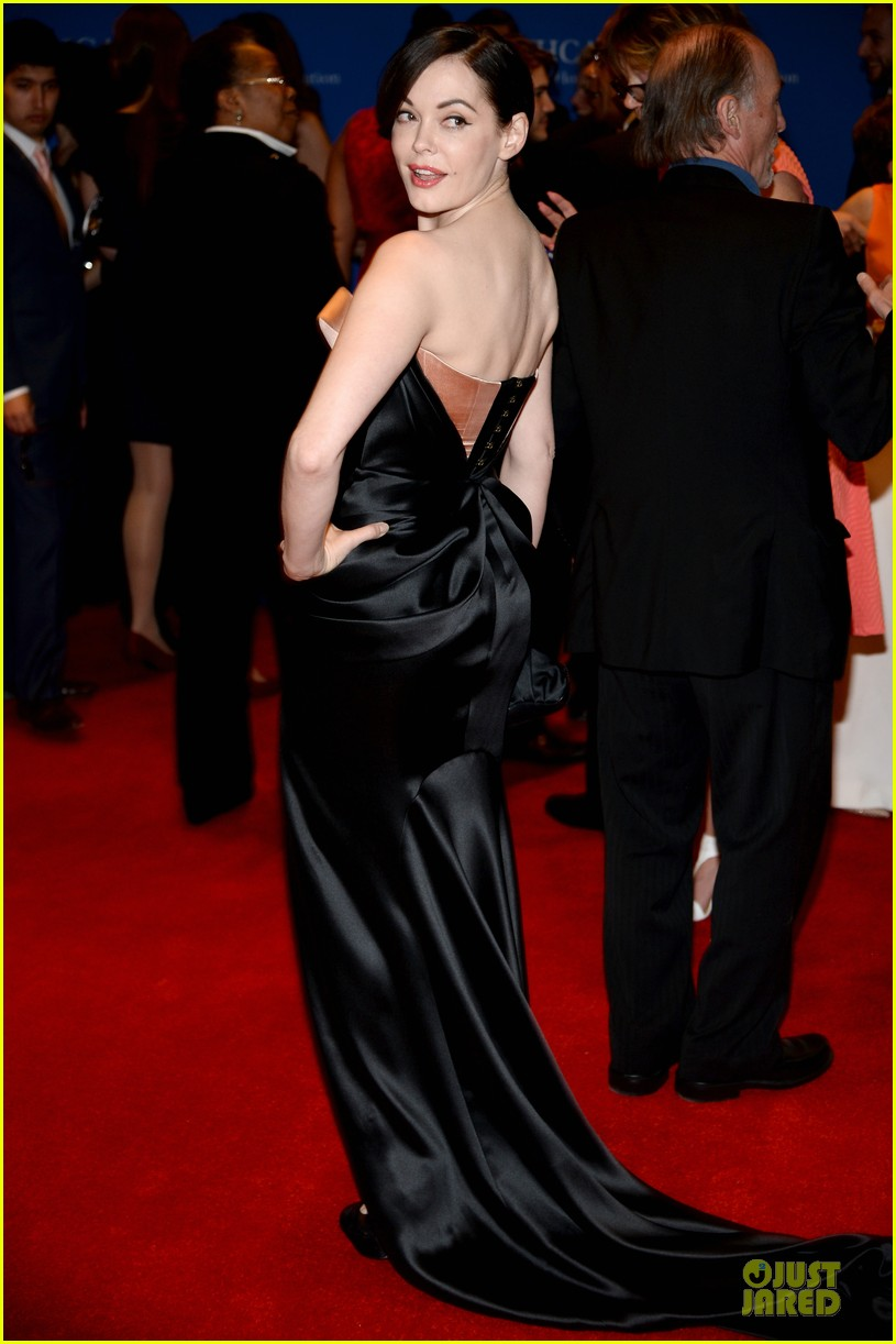 julianna marguiles rose mcgowan white house correspondents dinner 2014 09