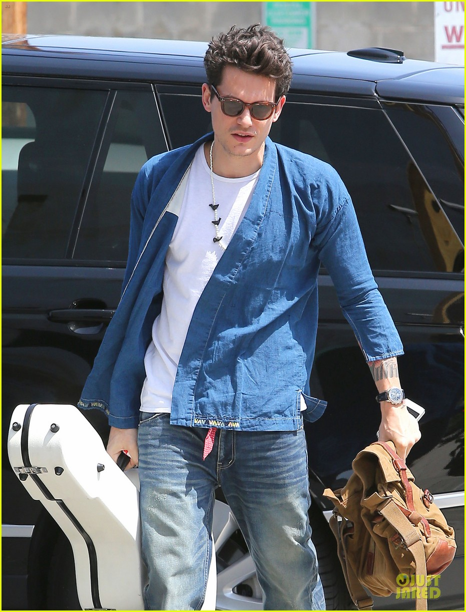 john mayer pays tribute to ferry victims 11