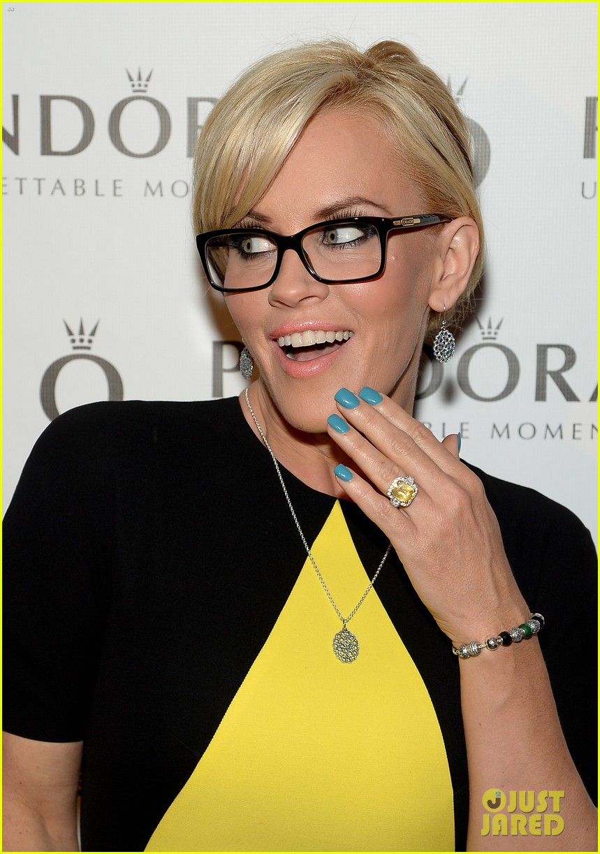 jenny mccarthy my engagement ring symbolizes 013102785
