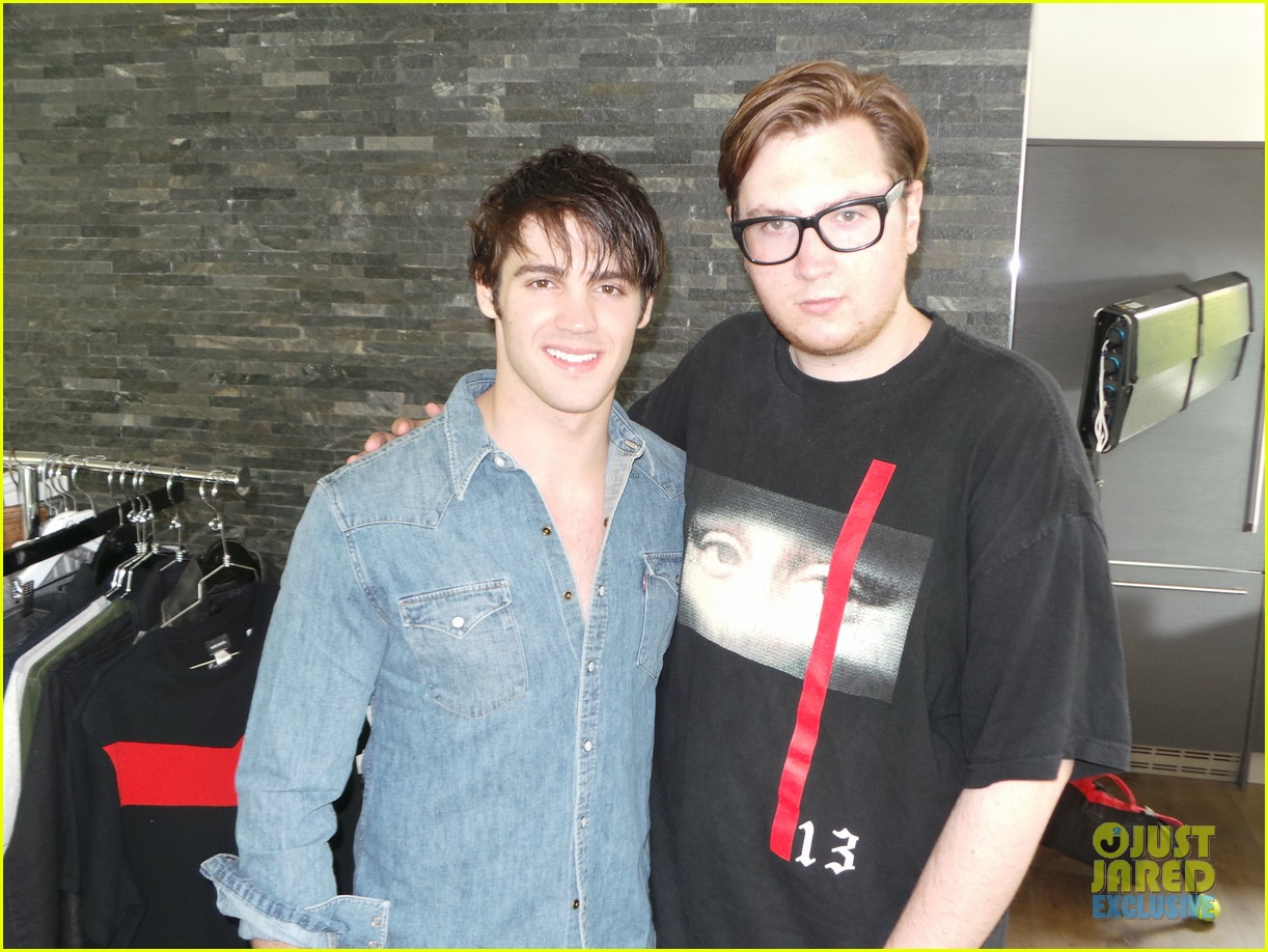 steven r mcqueen jj spotlight behind the scenes 16