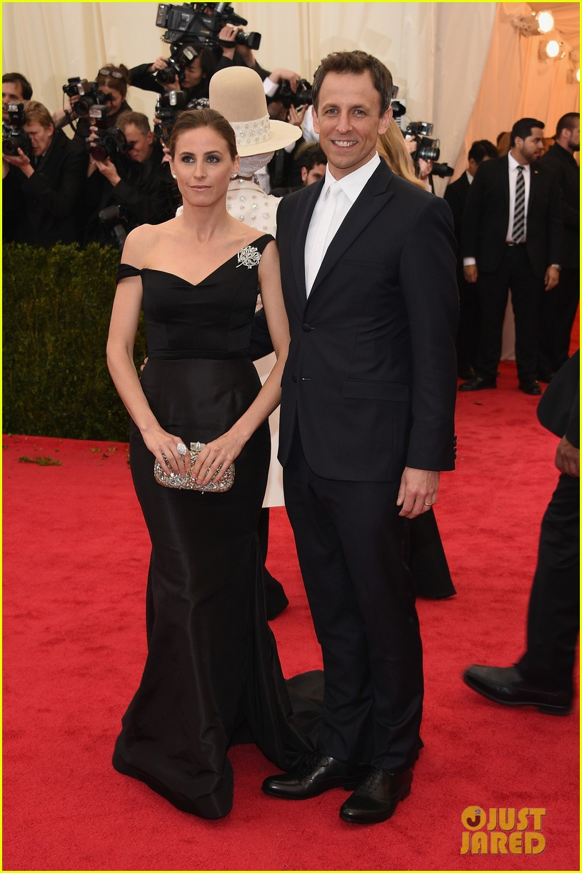 seth meyers brings wife alexi ashe to met ball 2014 05
