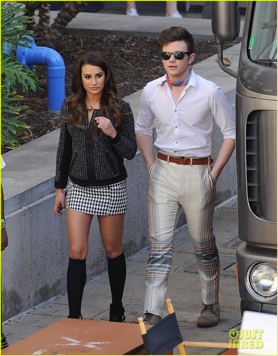 lea michele heather morris hang out on glee finale set 05