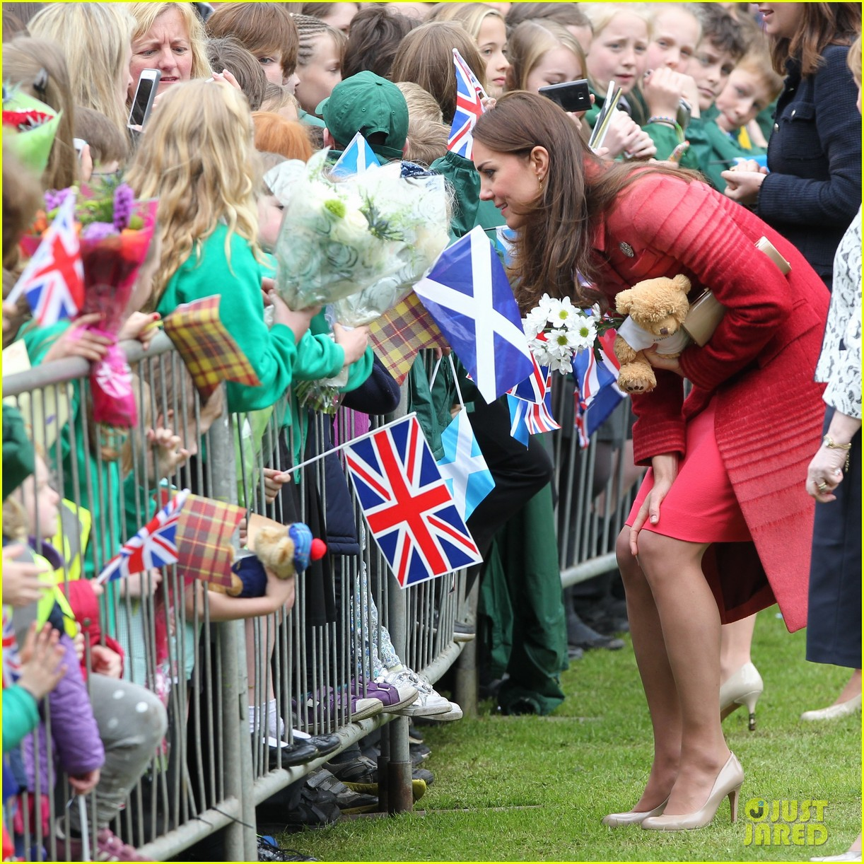 kate middleton prince william visit macrosty park in scotland 04