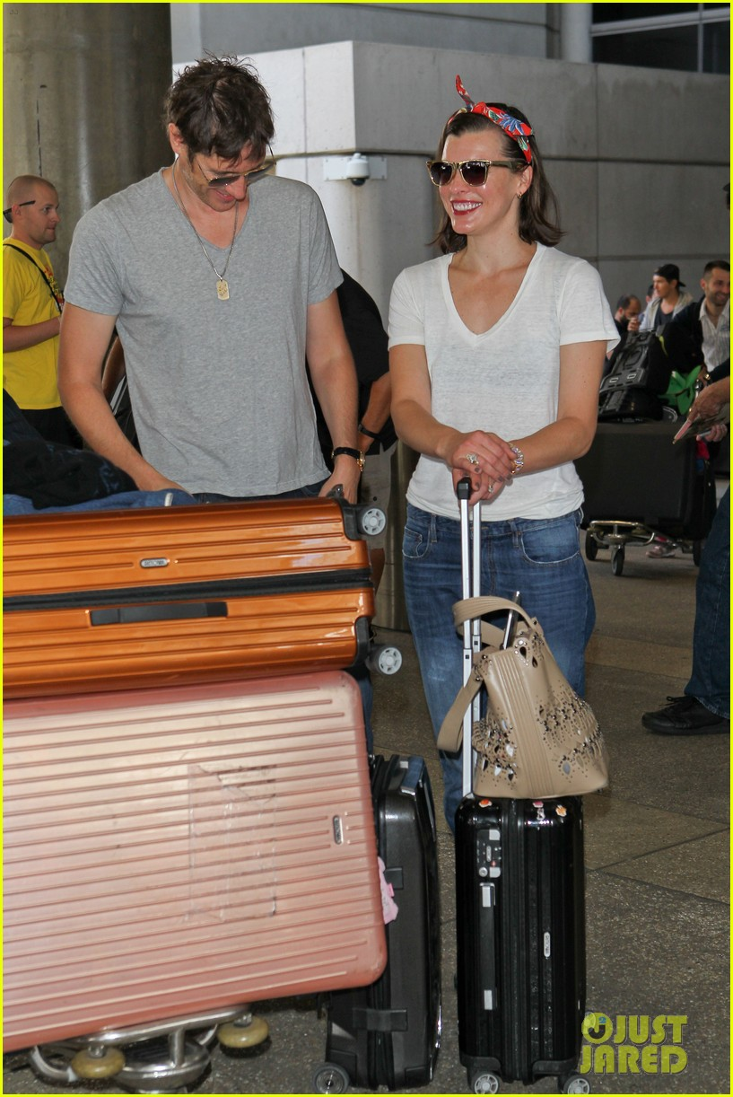 milla jovovich paul ws anderson look so in love 073123840