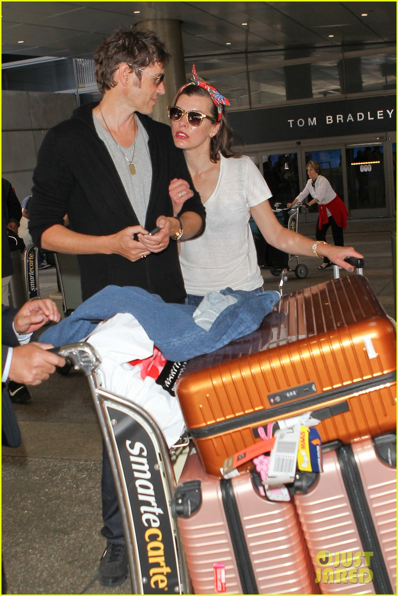 milla jovovich paul ws anderson look so in love 133123846