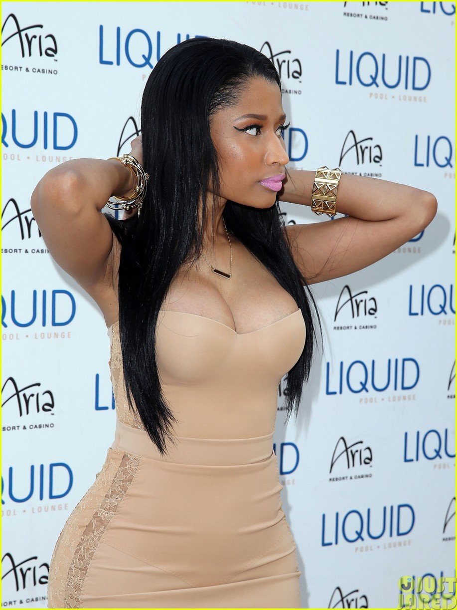 nicki minaj plays host at the liquid pool lounge143121623