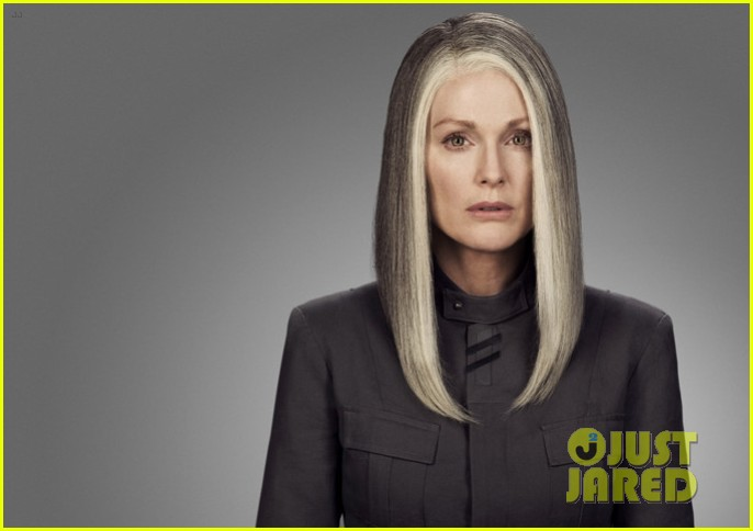 julianne moore as president coin in mockingjay first look 033114032
