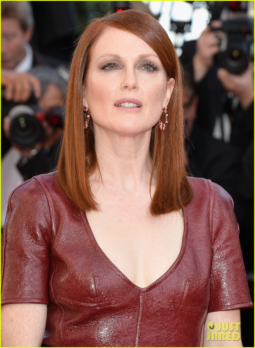 julianne moore as president coin in mockingjay first look 073114036