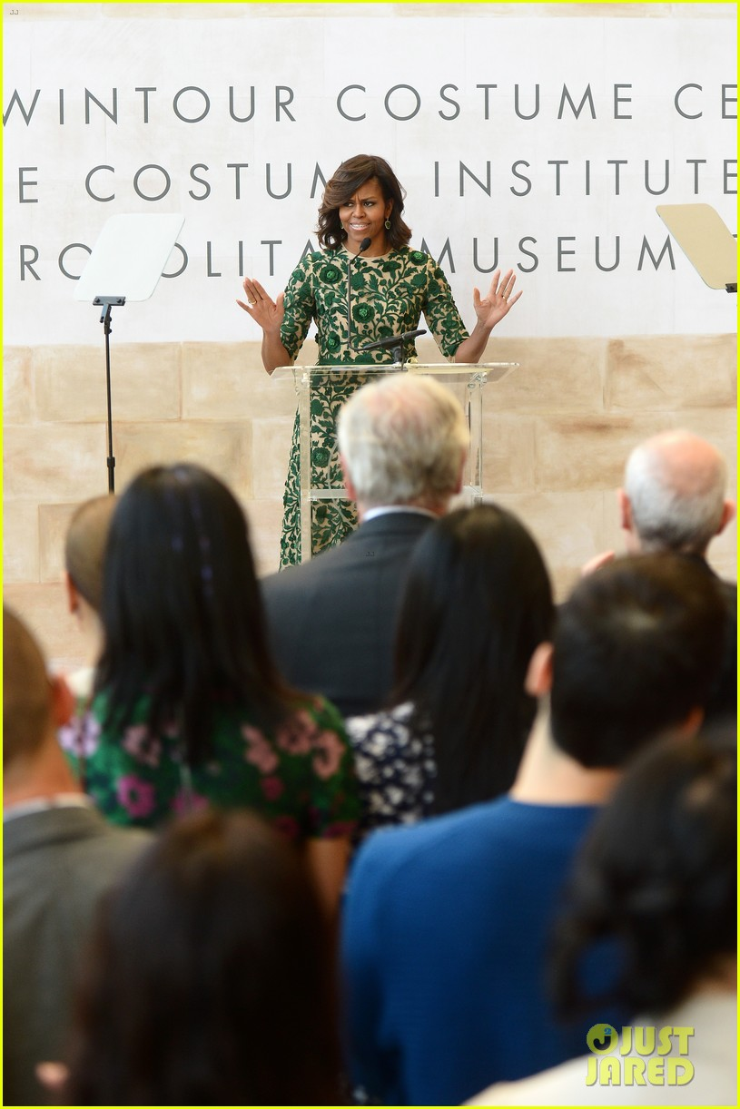 michelle obama anna wintour costume center opening 07