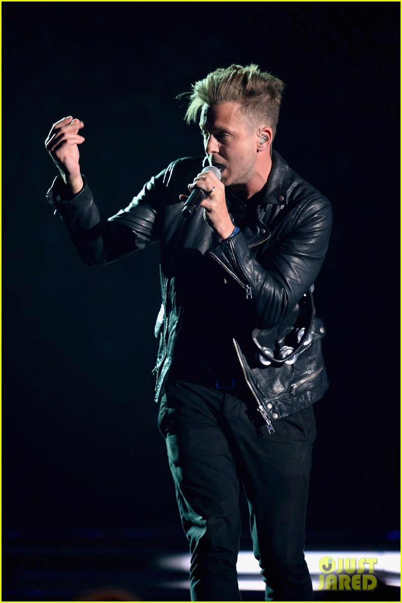 one repubic counting stars billboard music awards 2014 04