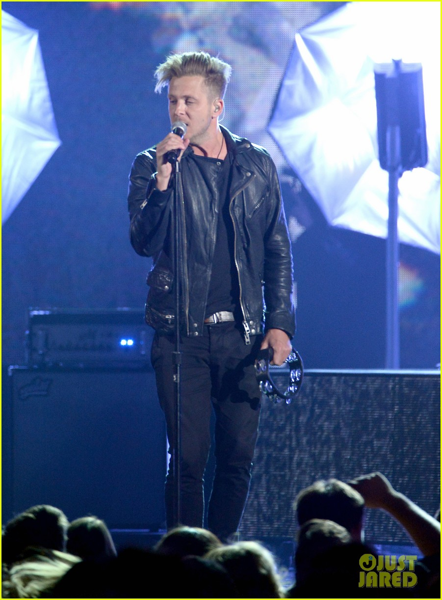 one repubic counting stars billboard music awards 2014 06