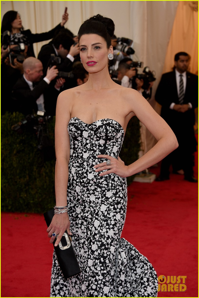 jessica pare met ball 2014 red carpet 04