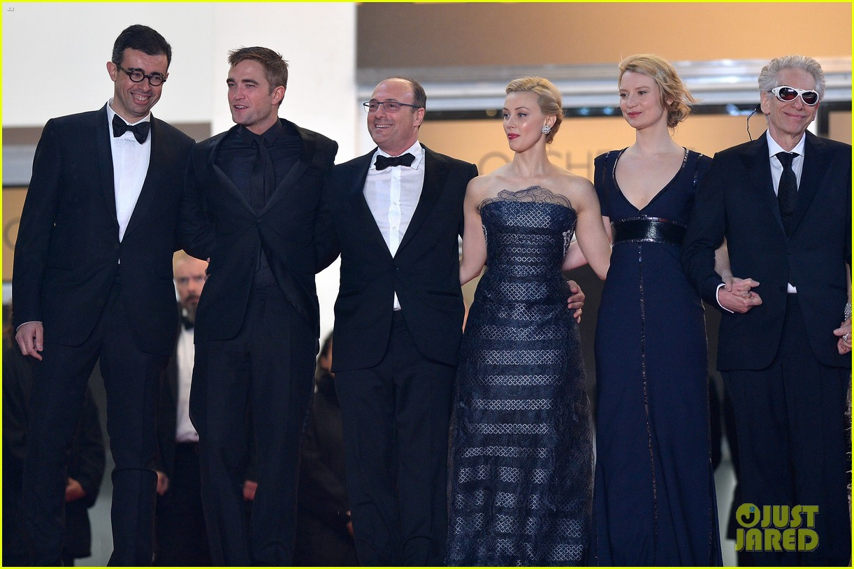 robert pattinson maps to the stars cannes premiere 153117607