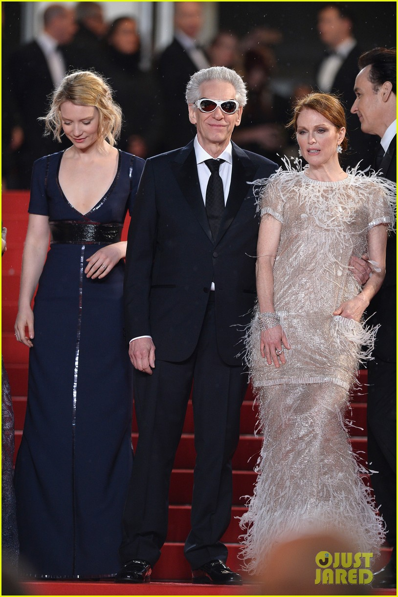 robert pattinson maps to the stars cannes premiere 18