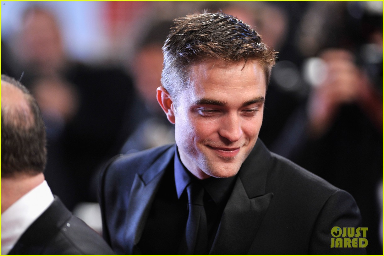 robert pattinson maps to the stars cannes premiere 253117617