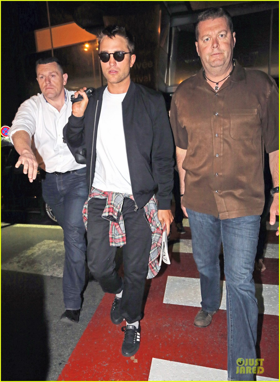 robert pattinson flies to nice for cannes 14