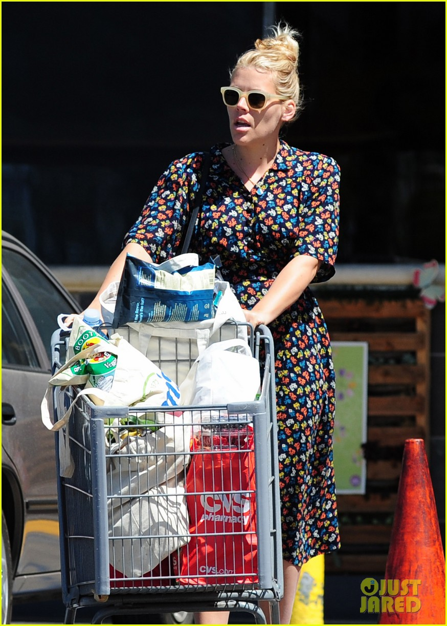 busy philipps cant keep from smiling after cougar town gets a renewal 08