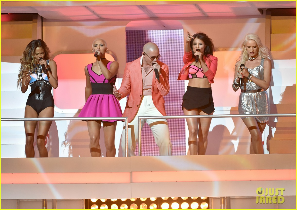 pitbull grl iheartradio music awards 2014 013103348