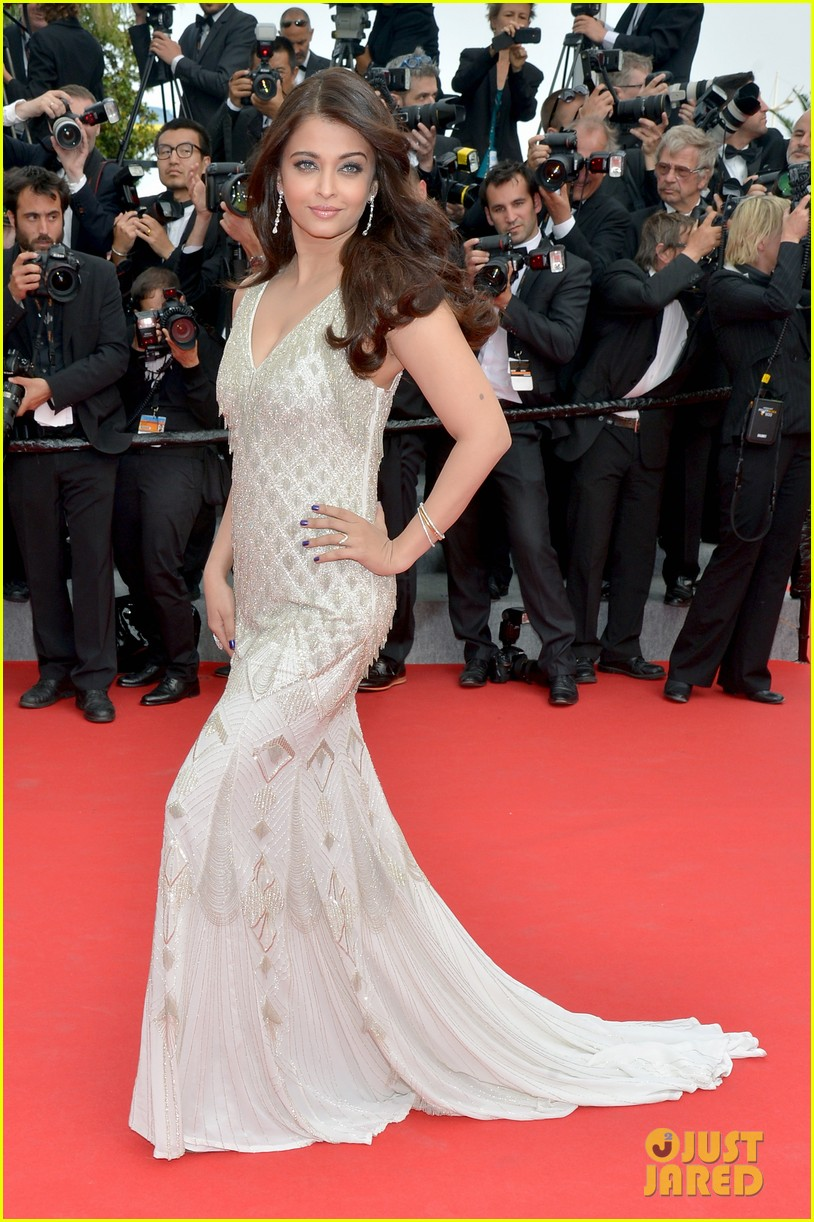 aishwarya rai works red carpet cannes 2014 03
