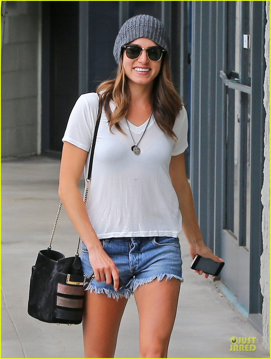 nikki reed fanny packs look cool 02