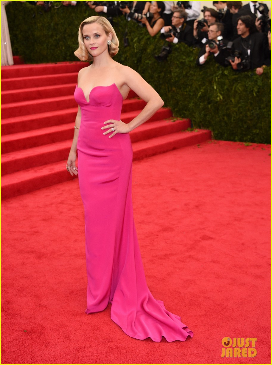 reese witherspoon met ball 2014 red carpet 01