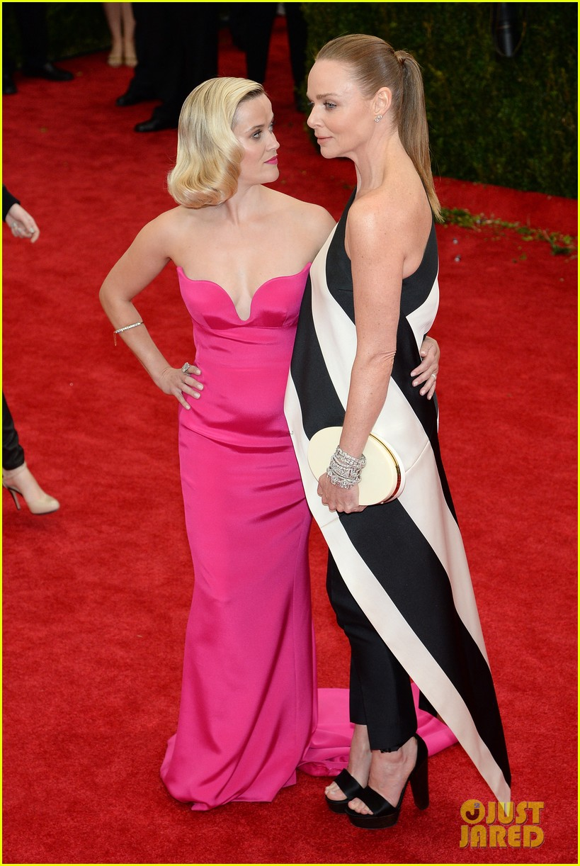reese witherspoon met ball 2014 red carpet 05
