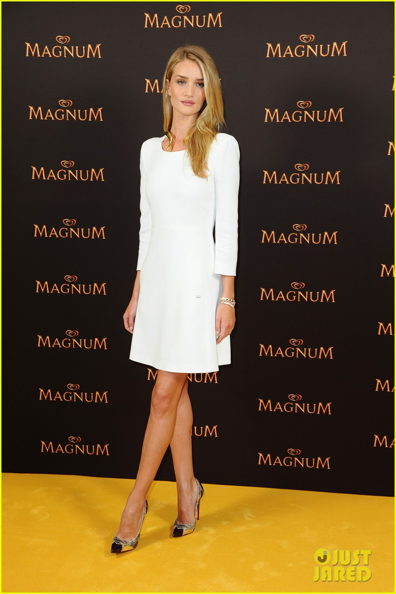 rosie huntington whiteley debuts new magnum short film 06