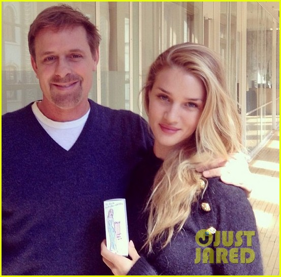 rosie huntington whiteley is ready for the met ball red carpet find out her secret 033105290