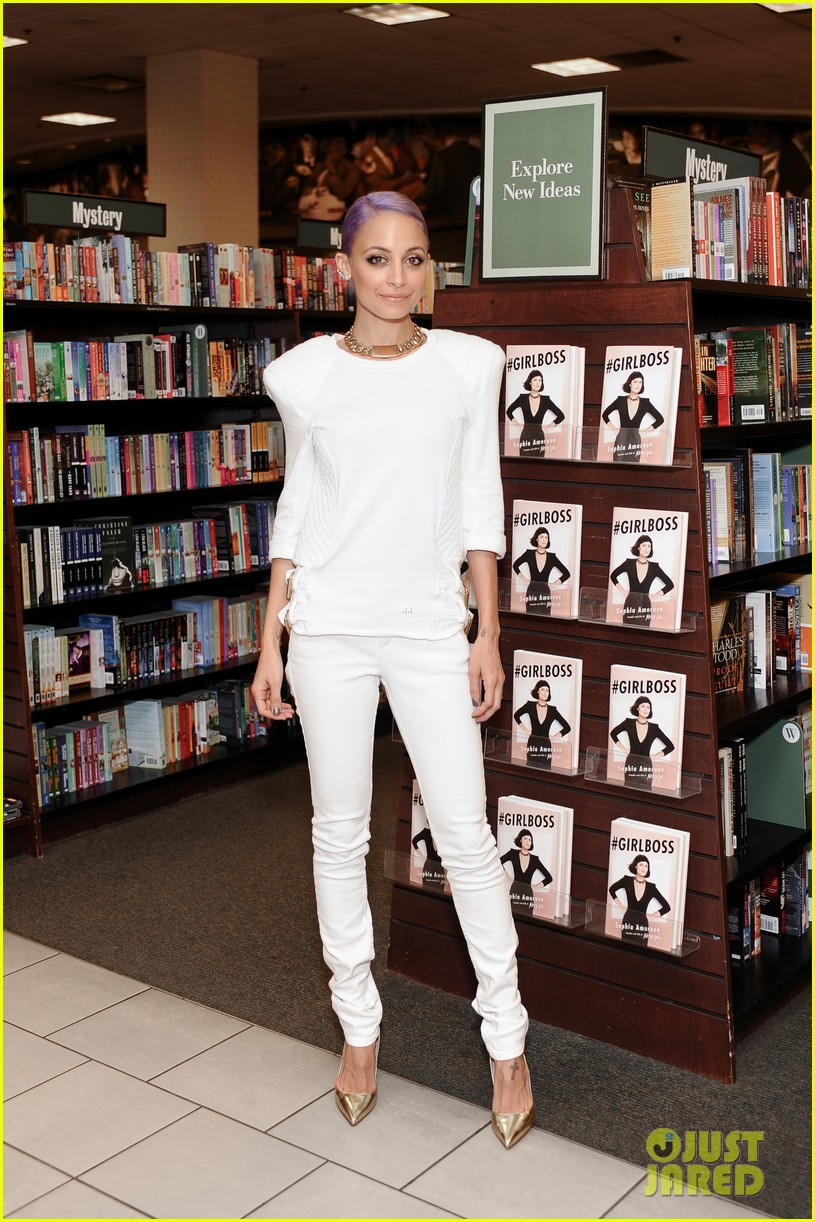 nicole richie wears all white for girlboss signing 013112584