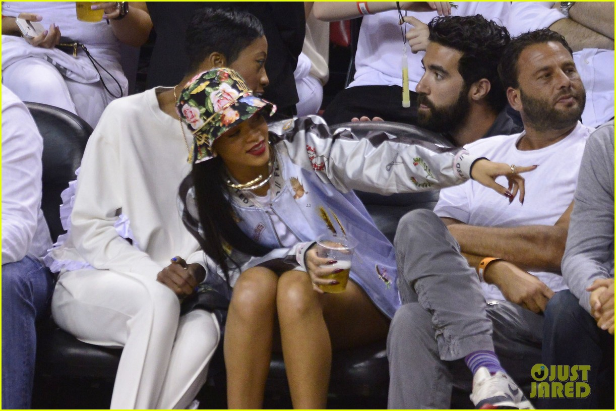 rihanna cheers on lebron james at nets heat game 08