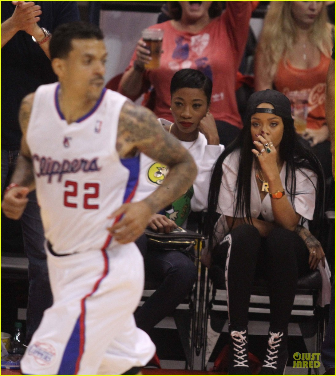 rihanna melissa forde cheer on clippers 083109958