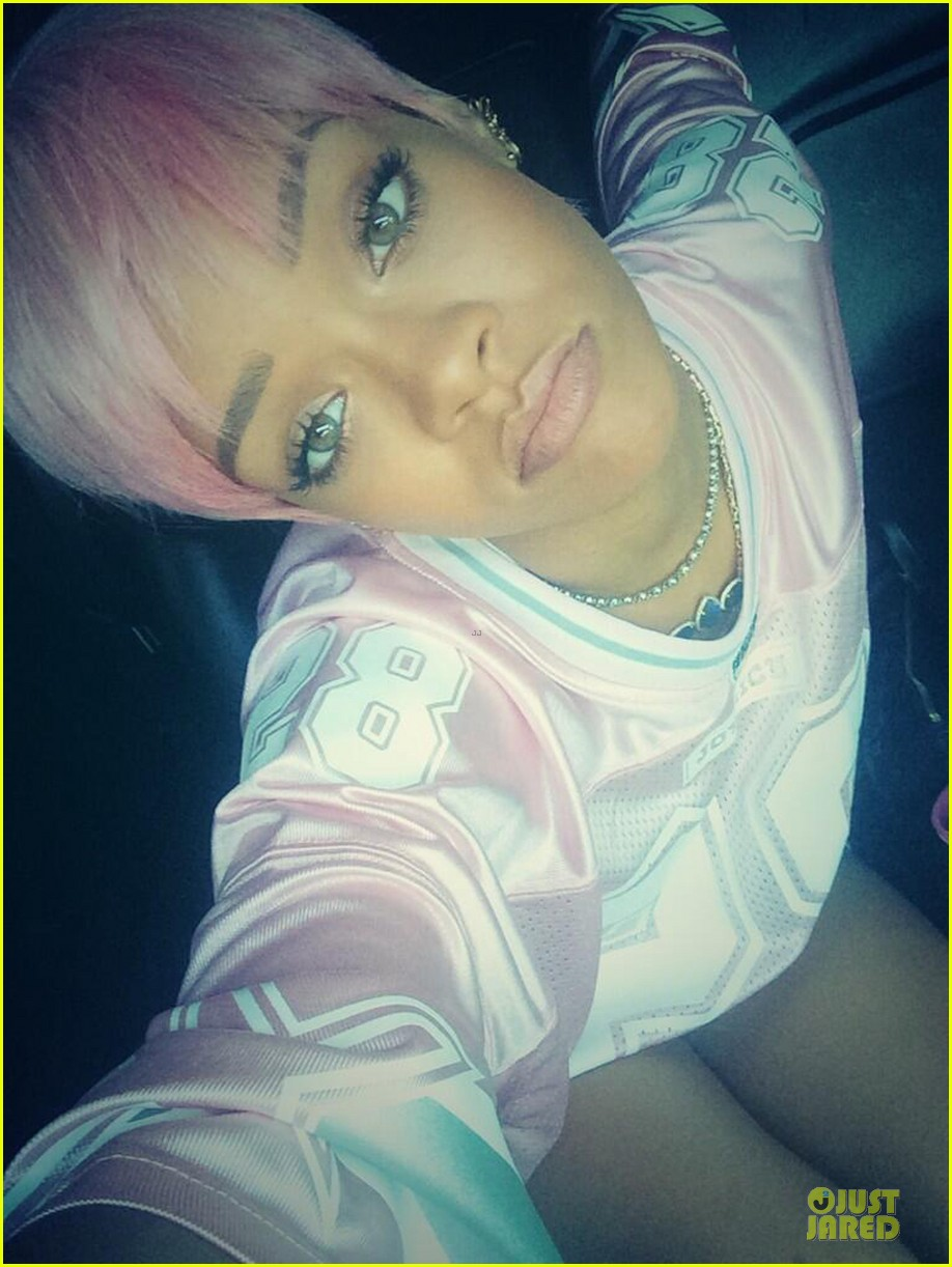 rihanna calls herself ghetto in pink football jersey 053122268