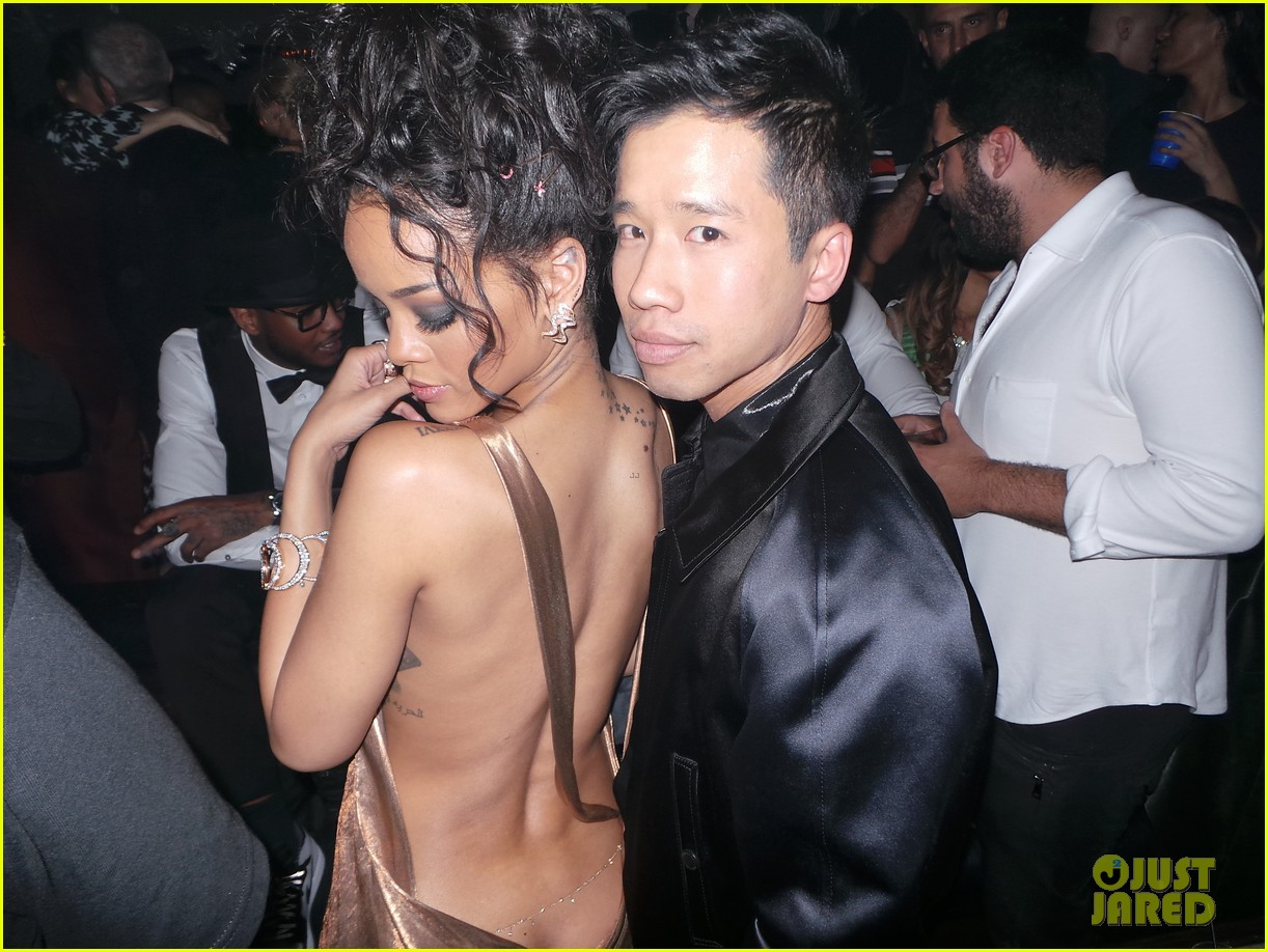 rihanna is golden goddess at met ball 2014 after party 053106729